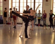 daria_klimentova_demonstrating_with_one_of_the_boy_students_milan_fara