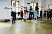 mark_baldwin_taking_contemporary_class_milan_fara