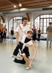julio_bocca_and_daria_klimentova_demonstrating