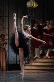 Beatrice Knop in Swan Lake