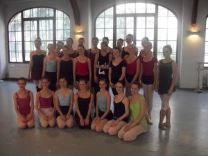 Darcey Bussell with group 2