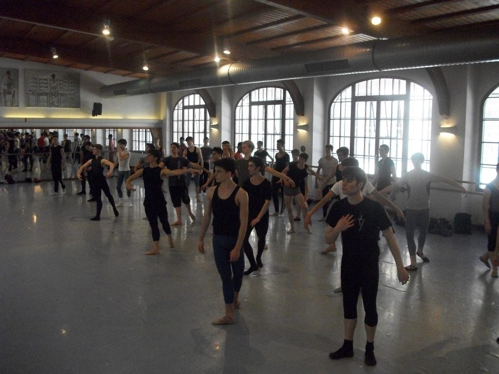 International Ballet Masterclasses in Prague 2016 Yoel Carreno boys solo coaching 1